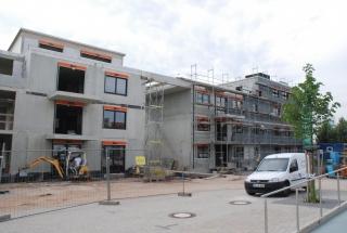 Beginn des Fassadenbaus ist erfolgt